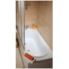 Akrilinė vonia su stiklinėmis sienelėmis