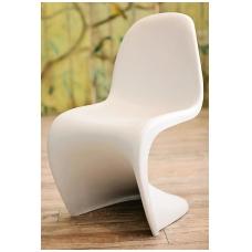 Balto plastiko kėdė LC-005