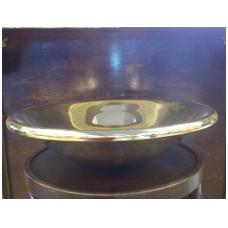 Pastatomas poliruotas žalvarinis praustuvas